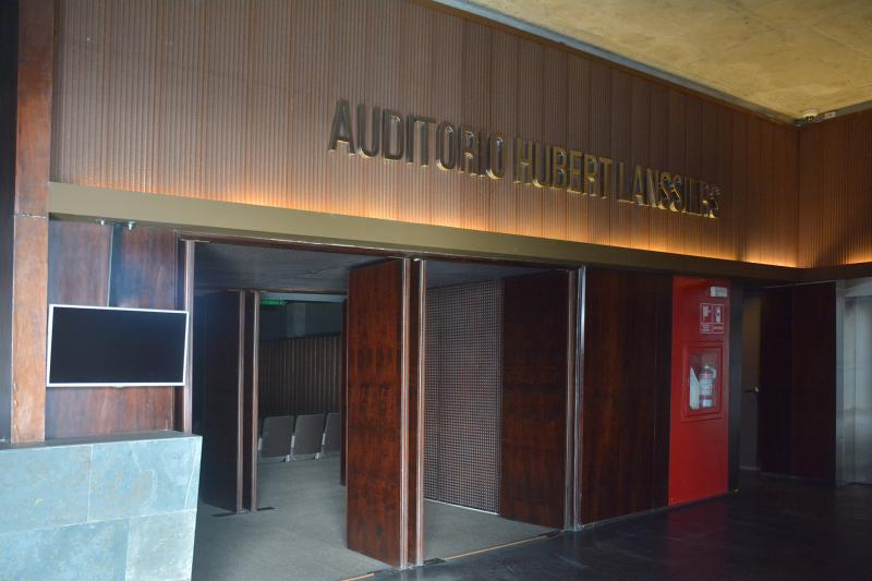 Auditorio Hubert Lanssiers - LUM