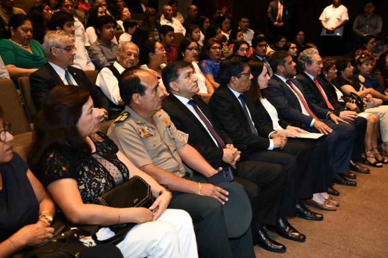 LUM reconoce a policías víctimas del terrorismo